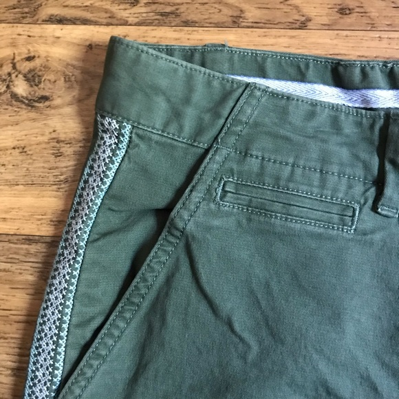 GAP Pants - Gap Summer Shorts Olive with Embroidered Sides